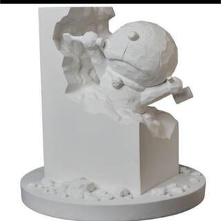 メディコムトイ(MEDICOM TOY)の彫刻家ドラえもん White Ver.  メディコムトイ(キャラクターグッズ)