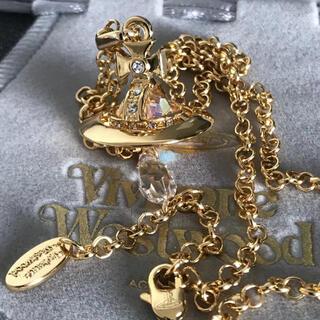 ヴィヴィアンウエストウッド(Vivienne Westwood)の新品 クリスタルネックレス ゴールド(ネックレス)