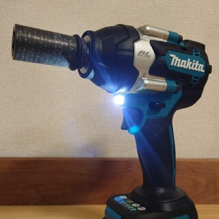 マキタ(Makita)のマキタ 18V 新品 充電式インパクトレンチ TW700D(工具)