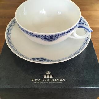 ロイヤルコペンハーゲン(ROYAL COPENHAGEN)の新品✨ロイヤルコペンハーゲン ブルーフルーテッドハーフレース カップ&ソーサー(グラス/カップ)