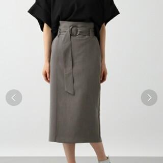 ハレ(HARE)のHARE フロントカサネベルトスカート(ひざ丈スカート)