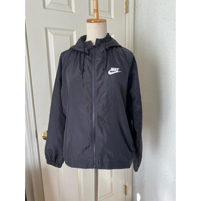 NIKE(ナイキ)の値下げしました。NIKE ナイキ ナイロンジャケット レディースのジャケット/アウター(ナイロンジャケット)の商品写真