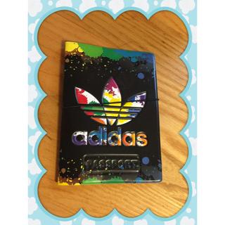 アディダス(adidas)のパスポートカバー(旅行用品)