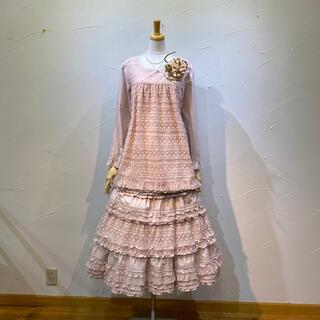 ピンクハウス レース重ねのブラウス&スカートのセットです。綺麗ですね。