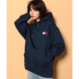 TOMMY HILFIGER - TOMMY JEANS パーカー