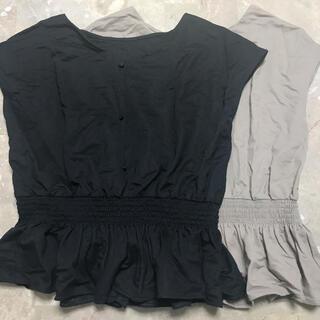 ジーユー(GU)のGU カットソー 2枚セット 黒&薄茶(カットソー(半袖/袖なし))