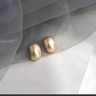 Lochie - 【残り1つ】 s925 ゴールドイヤリング 樹脂イヤリング