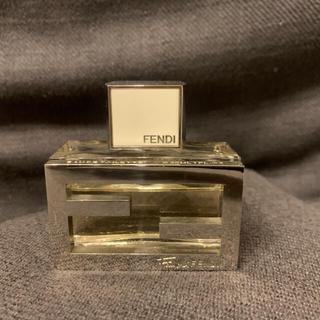 フェンディ(FENDI)のフェンディ オードトワレ 香水30ml(香水(女性用))