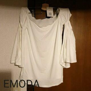 エモダ(EMODA)のカットベルトップス(カットソー(長袖/七分))