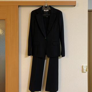 ナチュラルビューティーベーシック(NATURAL BEAUTY BASIC)のパンツスーツ 黒 秋冬用(スーツ)