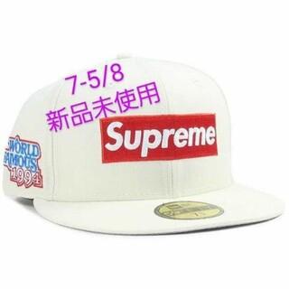 シュプリーム(Supreme)のWorld Famous Box Logo New Era7-5/8(キャップ)