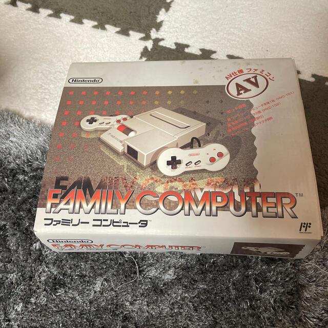 ファミリーコンピュータ(ファミリーコンピュータ)のNintendo ファミリー コンピュータ AV仕様 ファミコン HVC-NFF エンタメ/ホビーのゲームソフト/ゲーム機本体(家庭用ゲーム機本体)の商品写真