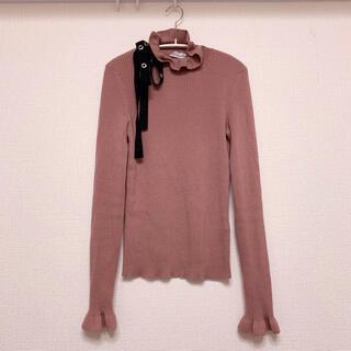 レッドヴァレンティノ(RED VALENTINO)の美品 RED VALENTINO フリルニット S(ニット/セーター)