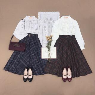 フィント(F i.n.t)のダブルベルトビッグチェックフレアースカート/an another angelus(ひざ丈スカート)