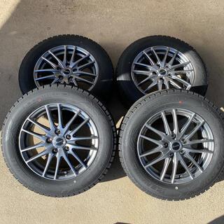 グッドイヤー(Goodyear)のヴェゼル 16インチ スタッドレスタイヤ ホイールセット(タイヤ・ホイールセット)