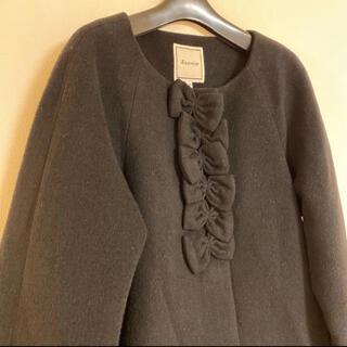 アナトリエ(anatelier)の美品☆アナトリエ リボンモチーフが素敵なAラインコート 黒(ロングコート)
