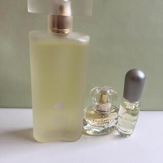 エスティローダー(Estee Lauder)のエスティローダー 香水 ピュアホワイトリネン(香水(女性用))
