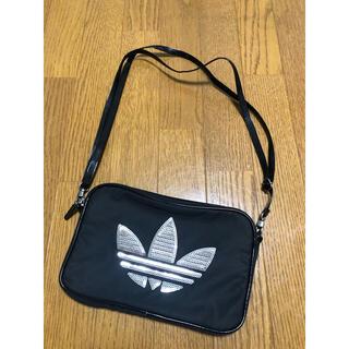 アディダス(adidas)のスパンコールバッグ(ショルダーバッグ)