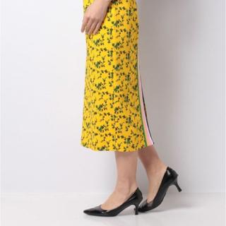 ヌメロヴェントゥーノ(N°21)のN°21 フラワータイトスカート  ※ ハンガー付(ひざ丈スカート)