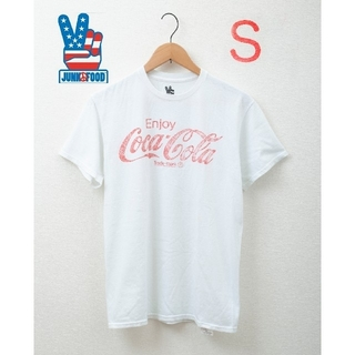 ジャンクフード(JUNK FOOD)の【新品未使用】Sサイズ JUNK FOOD コカコーラデザイン 半袖Tシャツ!(Tシャツ/カットソー(半袖/袖なし))
