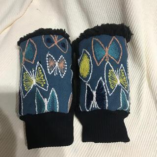 ミナペルホネン(mina perhonen)のミナペルホネン ハンドウォーマー スカイフラワー ブルー(手袋)