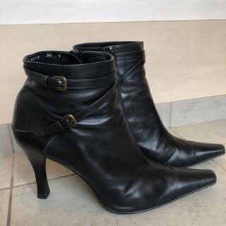 ショートブーツ 23.5 黒