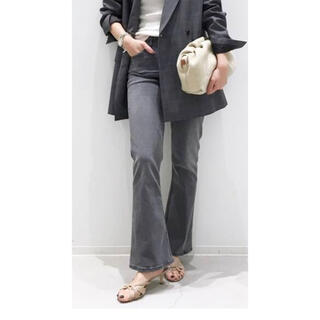 L'Appartement DEUXIEME CLASSE -  【3×1/スリーバイワン】Cropped Flare Denim グレー 25