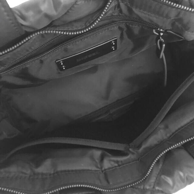 DIESEL(ディーゼル)のDIESEL★美品ロゴ入りナイロンバッグ レディースのバッグ(トートバッグ)の商品写真