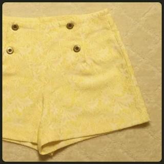 ジーユー(GU)の総刺繍フロントタックショートパンツ(ショートパンツ)