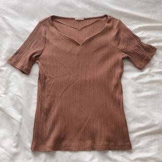 ジーユー(GU)の【ほぼ新品】GU Vネックリブニット ブラウン(カットソー(半袖/袖なし))