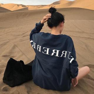 ジェイダ(GYDA)のロゴプルオーバー セーター オーバーニット パフスリーブ パロディ(Tシャツ(長袖/七分))