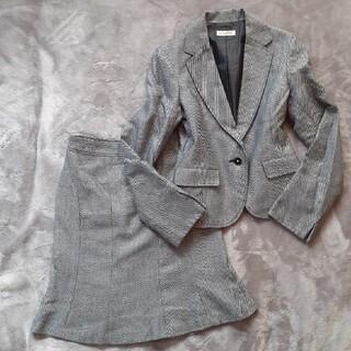 アーヴェヴェ(a.v.v)のa.v.v noble 黒×白織柄模様 セレモニースーツ 36(S) スカート(スーツ)