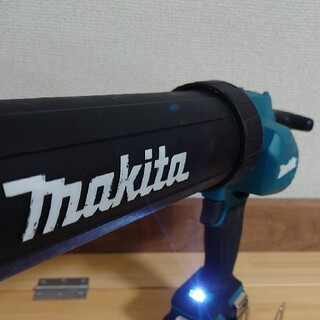 マキタ(Makita)のマキタ 10.8V 中古 充電式コーキングガン CG100D 別売ホルダセット付(工具/メンテナンス)