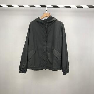 ジルサンダー(Jil Sander)のJIL SANDERの略アルファベットの大きなシルクハットのジャケット(テーラードジャケット)