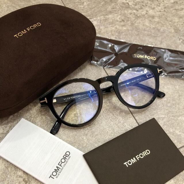 TOM FORD(トムフォード)のTOMFORD 黒縁 メガネ 伊達眼鏡 トムフォード ブラック 黒 ユニセックス レディースのファッション小物(サングラス/メガネ)の商品写真
