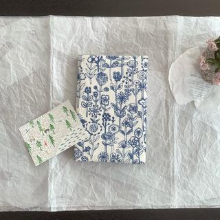 ミナペルホネン(mina perhonen)のハンドメイド♡新年♡特別サイズ♡B5変形型用♡ブックカバー♡ポストカード♡(ブックカバー)