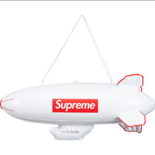 Supreme(シュプリーム)の17AW Supreme Inflatable Blimp 飛行船 メンズのメンズ その他(その他)の商品写真