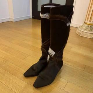 サルヴァトーレフェラガモ(Salvatore Ferragamo)のフェラガモ ハラコ革 手に入らない ロングブーツ(ブーツ)
