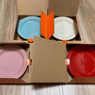 ルクルーゼ(LE CREUSET)の【新品】ル・クルーゼ ラウンドプレート 15㎝ 4枚セット(食器)