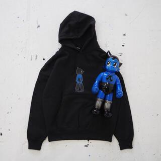 シークレットベース(SECRETBASE)の[XL]BIG SCALE 鉄腕アトム x sneakerwolf Blue(キャラクターグッズ)