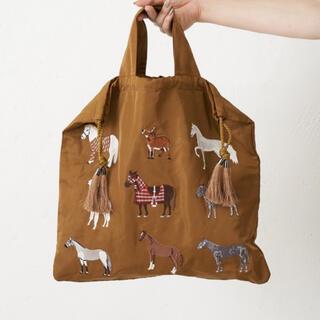 イアパピヨネ(ear PAPILLONNER)のトートバッグ バッグ 馬とアルパカ刺繍巾着トートバッグ イアパピヨネ(トートバッグ)