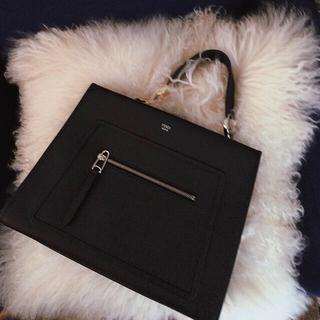 フェンディ(FENDI)の美品 FENDI ラナウェイ 2way バッグ ミディアム 黒(ハンドバッグ)