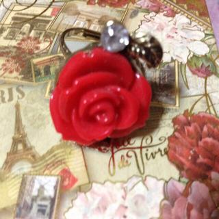 赤い薔薇のリング(リング(指輪))