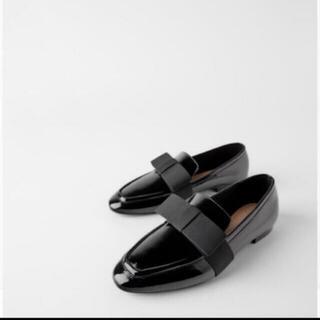 ザラ(ZARA)のZARAパンプス ローファー エナメル フラット 38 (ローファー/革靴)