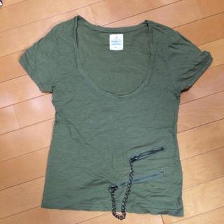 ソルベリー(Solberry)のカーキデザインTシャツ(Tシャツ(半袖/袖なし))