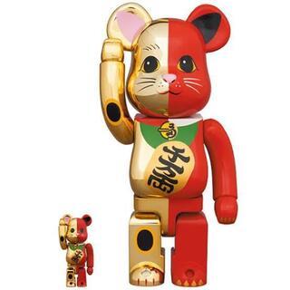メディコムトイ(MEDICOM TOY)のBE@RBRICK 招き猫 金 × 赤 100% & 400%(その他)