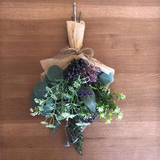 ♡スワッグ♡ ぶどう ベリー 壁飾り ギフト 冬 大人 シック 紫(ドライフラワー)