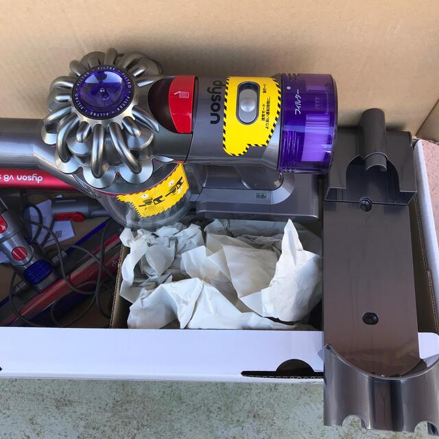 Dyson(ダイソン)の Dyson V8 slim 箱無 スマホ/家電/カメラの生活家電(掃除機)の商品写真