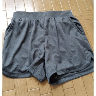 ジーユー(GU)の自宅保管未使用品 GUスポーツ用ショートパンツ(ショートパンツ)