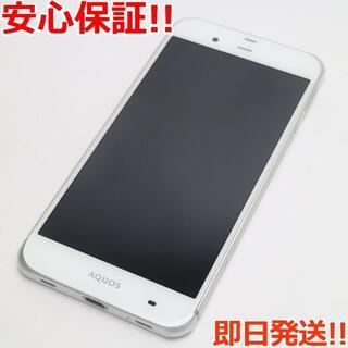 シャープ(SHARP)の美品 au SHV34 AQUOS SERIE ホワイト (スマートフォン本体)